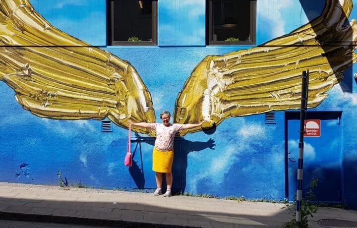 Golden Wings av Huge #färgpåstan