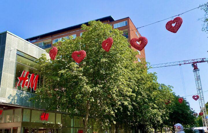 Kärlekspassagen i Södertälje City sommaren 2021
